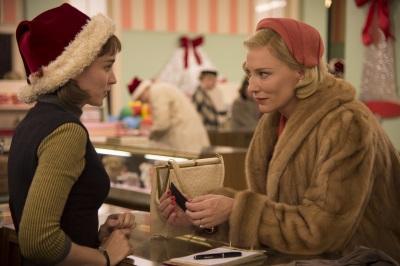 Carol und Therese lernen sich kennen (© DCM)