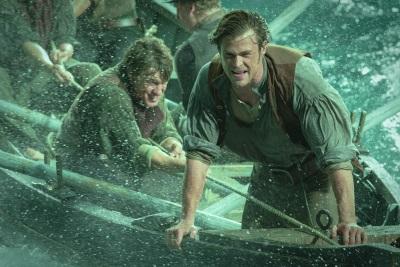 Owen Chase ist auf hoher See zu Hause (© Warner Bros Pictures Germany)