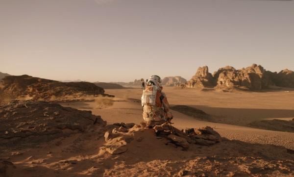 """Matt Damon ist in """"Der Marsianer"""" äußerst einsam (© 20th Century Fox)"""