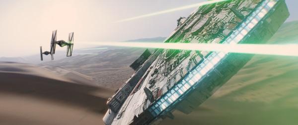 """Der Millenium-Falke in """"Star Wars: Das Erwachen der Macht"""" (© Walt Disney Studios Motion Picture Germany)"""