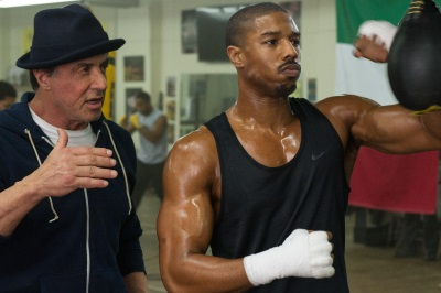 Rocky gibt seine Weisheit weiter (© Warner Bros Pictures)