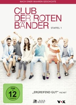 """Die Box der ersten Staffel von """"Der Club der roten Bänder"""" (© Universum Film/Vox)"""