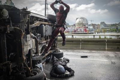 Deadpool bei der Arbeit (© 20th Century Fox)