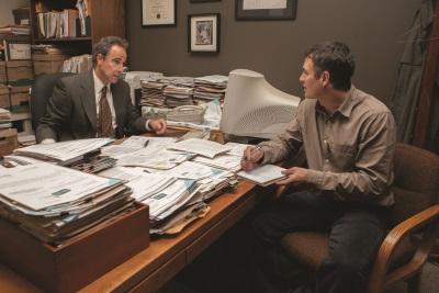 Anwalt Mitch liefert Michael unglaubliche Informationen (© Paramount Pictures)