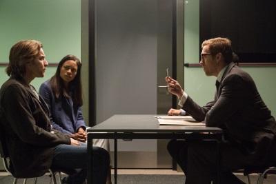 Perry und Gail werden von Hector verhört (© StudioCanal)