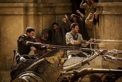 Im Wagenrennen stehen sich die ehemaligen Freunde gegenüber (© Paramount Pictures)