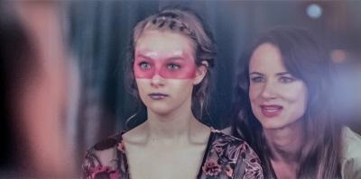 Erica hat einen schlechten Einfluss auf Jem (© Universal Pictures Germany)