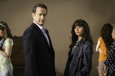 Robert und Sienna haben die zukunft der Menschheit in der Hand (© Sony Pictures Germany)