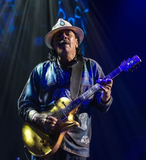 Carlos Santana in seinem Element (© Edel, Eagle Vision)