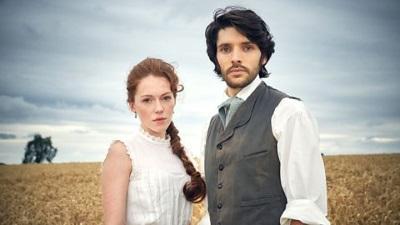 Nathan und Charlotte auf ihrem Anwesen (© BBC)