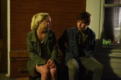 Charlie findet in Eva eine Gleichgesinnte (© Concorde Home Entertainment)