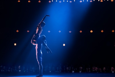 Der Traum von der Bühne steht für Claire über allem (© Polyband)