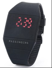 Die Passengers-Uhr (© 2016 Columbia TriStar Marketing Group, Inc. All Rights Reserved.)