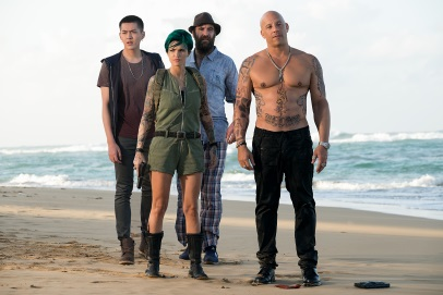 Cage und sein Team wollen böse Jungs auseinander nehmen (© Paramount Pictures Germany)