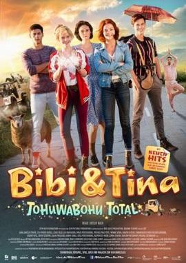 """Das Kinoplakat von """"Bibi & Tina - Tohuwabohu Total"""" (© DCM)"""