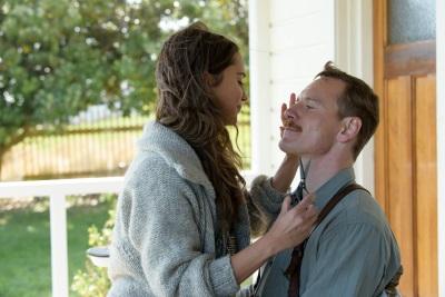 Tom und Isabel bewahren ein düsteres Geheimnis (© Constantin Film)