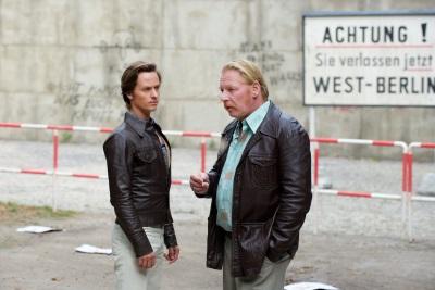 Lars wird von Ralf auf den Einsatz eingestimmt (© Bernd Schuller)