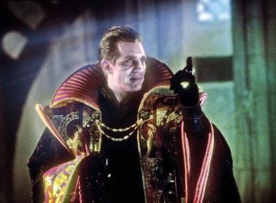 Eric Roberts will als Master die Welt vernichten (© BBC 1996)