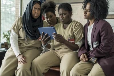 Taystee und ihre Freundinnen kämpfen für Gerechtigkeit (© Netflix)