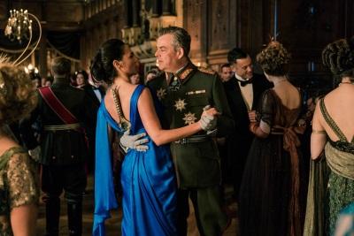 Diana lernt Ludendorff kennen (© Warner Bros Pictures Germany)