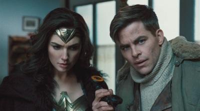Diana und Steve werden schnell ein eingespieltes Duo (© Warner Bros Pictures Germany)