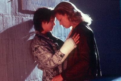 Aileen und Selby kommen sich näher (© Universum Film)