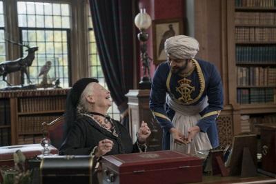 Die Queen ist von Abdul begeistert (© 2017 Universal Pictures Germany)