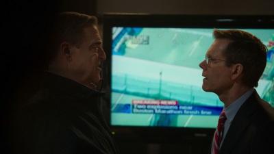 Agent DesLauriers diskutieren die Vorgehensweise (© StudioCanal)