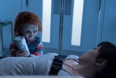 Chucky möchte ein paar alternative Behandlungsmethoden austesten (© Universal Pictures Germany)