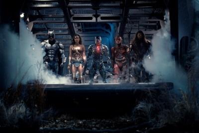 5 Superhelden, 1 Ziel (© Warner Bros Pictures)