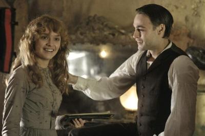 Noch haben Lizzie und Dan gute Laune (© Concorde Home Entertainment)