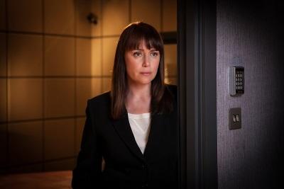 Auf welcher Seite steht Lindsay Denton? (© Justbridge Entertainment)