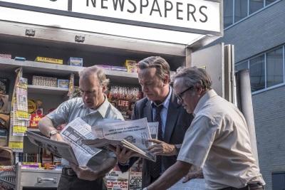 Noch bekommt Bradlee seine Informationen aus anderen Zeitungen (©2017 Universal Pictures International)