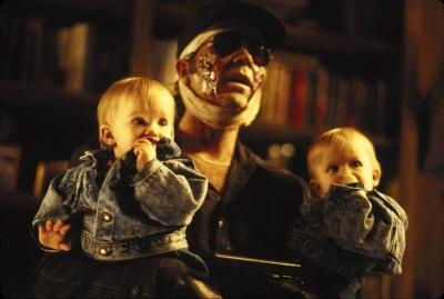 Diesen Kerl lässt man doch gerne auf seine Kinder aufpassen (© OFDb Filmworks)