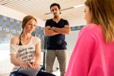 Biggi und Zeki stellen Chantal zur Rede (© Constantin Film)