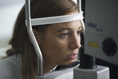 Gina wird für ihre Operation vorbereitet (© Universum Film)