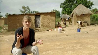 Laura Gerritsen besucht für Fairphone den Kongo (© Langbein & Partner)