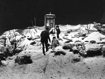 Die TARDIS auf ihrer ersten offiziellen Spazierfahrt (© Polyband)