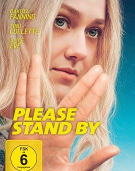 """Das DVD-Cover von """"Please Stand By"""" (© Universum Film)"""