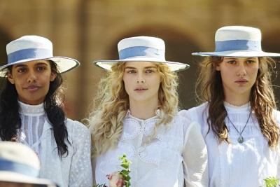 Was ist mit den drei jungen Frauen geschehen? (© Universum Film)