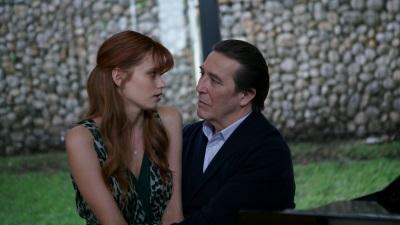 Herrscht zwischen Henry und Elizabeth nur Liebe? (© Capelight Pictures)