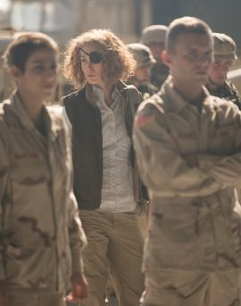 Marie Colvin in ihrem Element (© Ascot Elite)