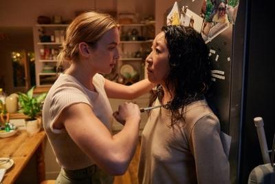 Eve und Villanelle kommen sich näher (© Universal Pictures/BBC America)