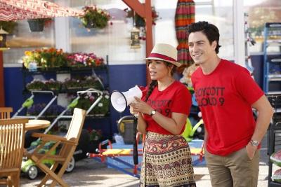 Amy und Jonah sorgen für Ärger (© Trae Patton/NBC)