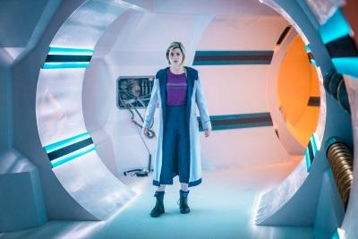 Die 13. Inkarnantion des Doktor beginnt ihren Dienst (© Polyband)