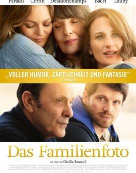 """Das Hauptplakat von """"Das Familienfoto"""" (© Alamode Film)"""