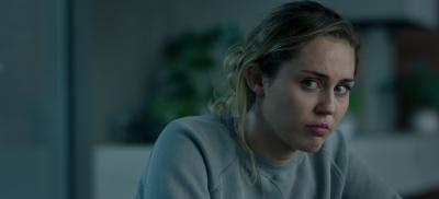 """Auch Miley Cyrus gibt sich in """"Black Mirror Staffel 5"""" die Ehre (© Netflix)"""