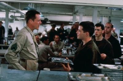 Zwischen Eugene und Toomey entsteht eine Intim-Feindschaft (© 1988 Universal Pictures)