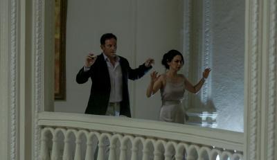 Zwei Hotelgäste in höchster Gefahr (© Square One/Universum Film)