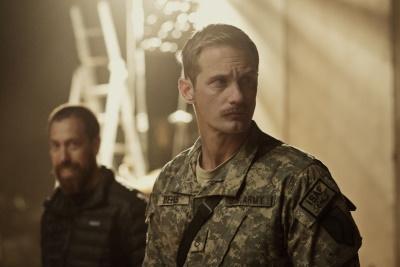 Sergeant Deeks bringt das Team auf einen gefährlichen Weg (© Universum Film)